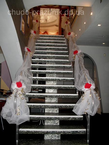 Украшение лестницы Декорирование тканями